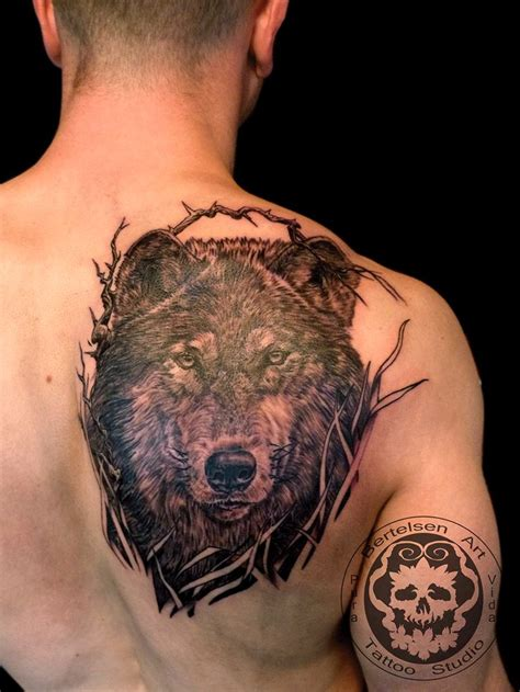 realistic wolf tattoo 25 best realistic wolf tattoos images on