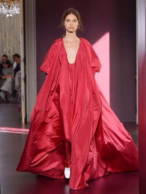 Top 9 Valentino Dresses by Valentino Haute Couture Fall Winter 2017 S