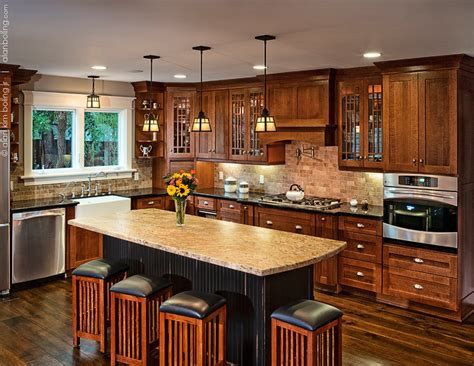 in style kitchen cabinets santa barbara craftsman kitchens hahka kitchens goleta
