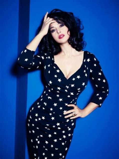 monica bellucci face shape how to dress for an hourglass shaped body herinterest