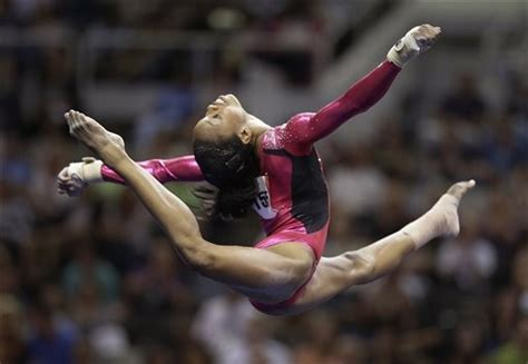 gymnast gabrielle douglas donates olympic items to smithsonian cbs dc gabby douglas no poland spring girl