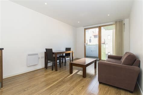 one bedroom flat to let modern one bedroom flat to let in sought after development