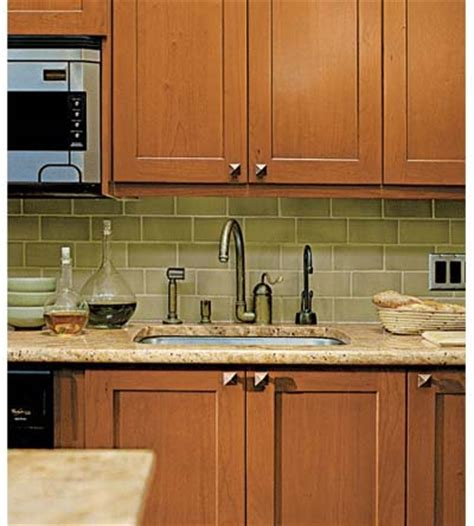 Where To Place Knobs On Kitchen Cabinet Doors Where To Place Knobs On Kitchen Cabinets Home Furniture Design