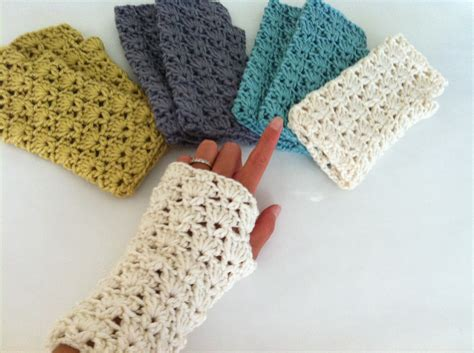free pattern for crochet fingerless gloves fingerless gloves crochet patterns 11 nationtrendz com