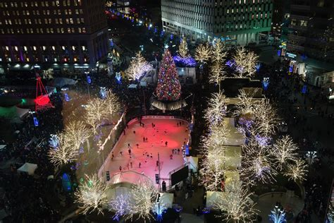 downtown detroit tree lighting thousands expected for today s tree lighting new downtown