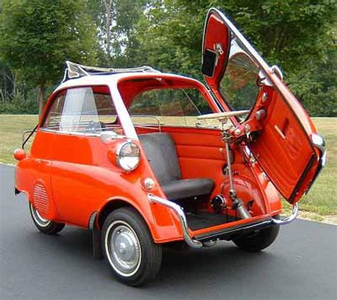 Isetta Auto by A Bmw Isetta Car Busts A Move