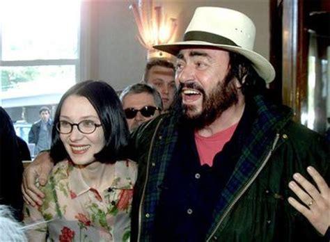 nicoletta mantovani biografia acuerdo sobre la multimillonaria herencia de pavarotti