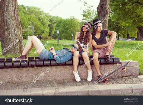 people sitting on bench people sitting on a park bench 28 images girl sitting on park bench by urbazon
