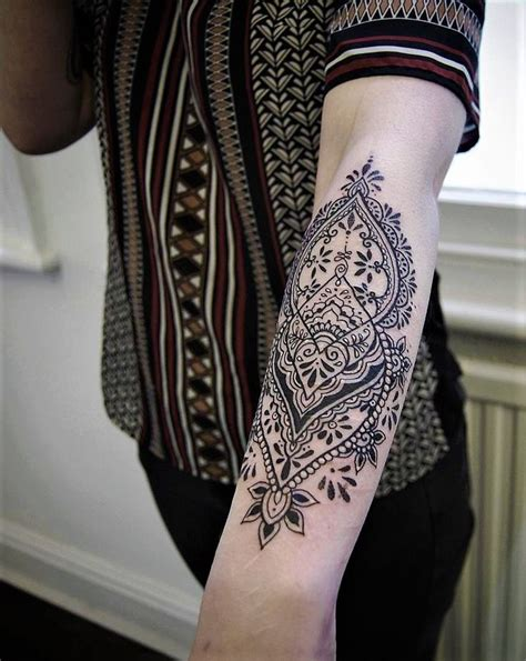 feminine tattoo sleeve designs best 25 feminine sleeve tattoos ideas on