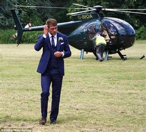 aaron ramsey hairstyle 2014 footballer aaron ramsey jets to his wedding via helicopter