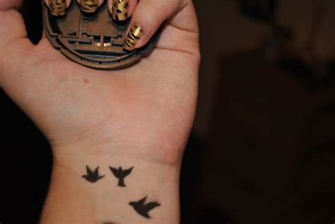 bird tattoos on wrist www pixshark com images