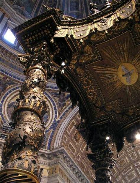 caratterizzano il baldacchino di bernini in san pietro particolare di colonna e tetto picture of baldacchino di