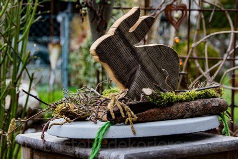 Ostergestecke Aus Naturmaterialien by Osterdekoration Aus Beton Und Holz Basteln Und Dekorieren