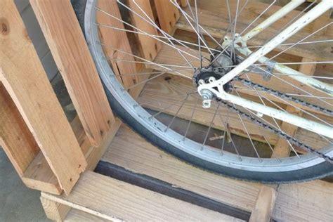 Simple Bike Rack by Simple Pallet Bike Rack