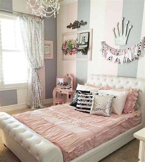 sparkly bedroom decor 25 best ideas about cute girls bedrooms on pinterest