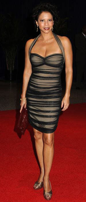 gallery height for pictures gloria reuben height how tall