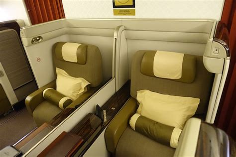 tiket bussiness garuda garuda indonesia first class 3 one mile at a time