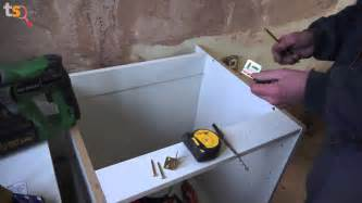 How To Remove Kitchen Sink - tommy s trade secrets how to fit a kitchen the base units youtube