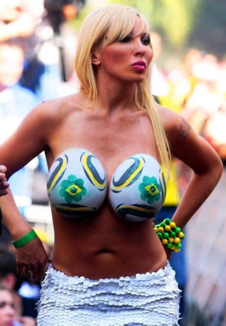 soccer body paint competition 129 best soccer images on pinterest soccer futbol and