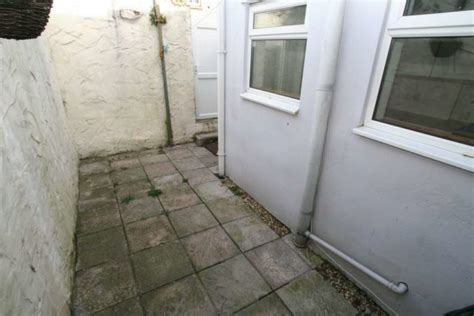 3 bedroom house for sale in plymouth 3 bedroom terraced house for sale in craven avenue plymouth pl4