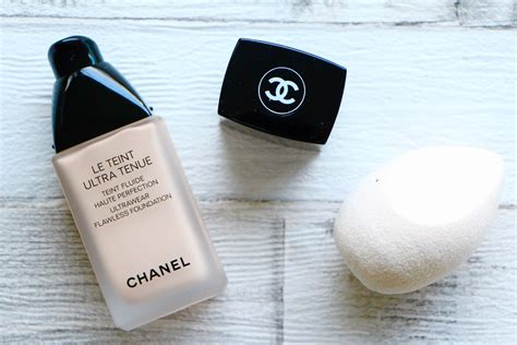 Foundation Chanel foundation review chanel le teint ultra tenue a model