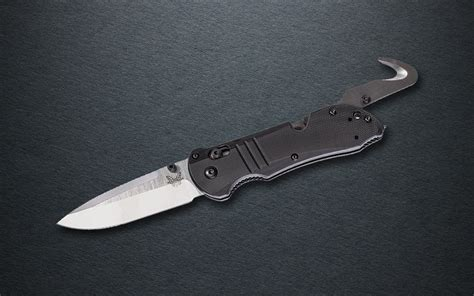 going tactical with the new benchmade 917 tactical triage
