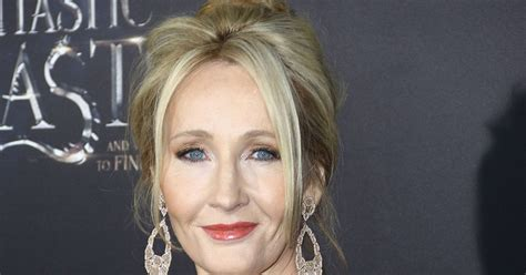 by j k rowling b00nbcu97i jk rowling continues her twitter feud with piers morgan by trolling him in the most magical way