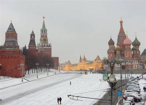moscow red square travel from moscow airport to city centre by train red