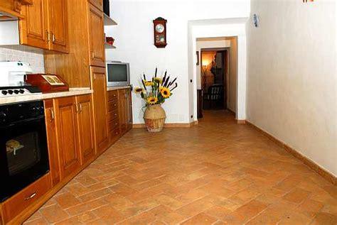 pavimenti per cucine pavimento in cotto cucina pavimenti cucina