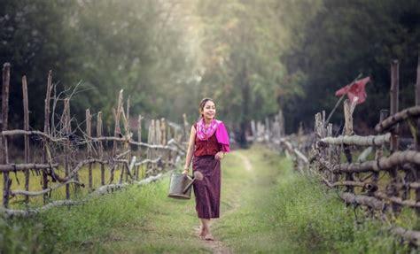 gambar air outdoor batu gadis wanita pedesaan