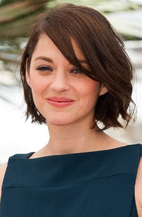 best haircut for recessed chin curly hair 25 best ideas about chin length haircuts on pinterest