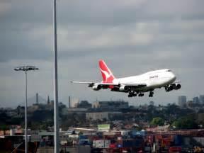 Car Hire Sydney Airport Qantas File Qantas 747 Landing At Sydney Airport Jpg Wikimedia