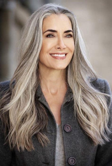 managing grey hair gray hair のおすすめ画像 55 件 pinterest 白髪 シルバー ヘアスタイル