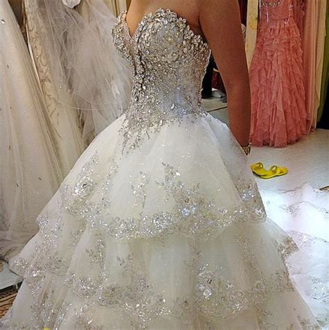 sweetheart neckline wedding dress with a lot of bling   Sang Maestro