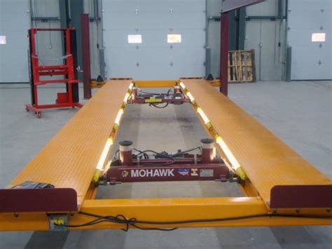 car lift lighting mohawk lifts fl 25 four post truck lifts and mobile