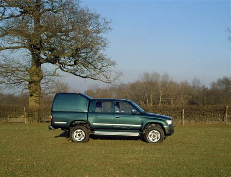 toyota hilux year models 2000 model year toyota hilux carry a heavier