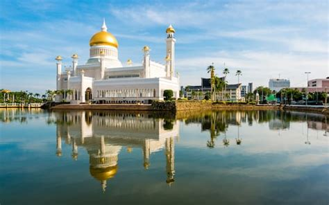 brunei   entice tourists  outrage  barbaric