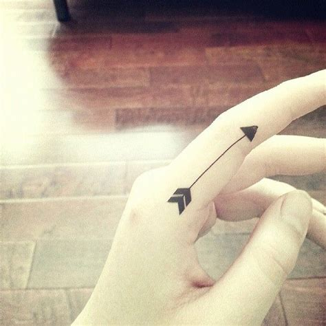 tattoo hand between thumb pointer 17 best images about tiny tattoos on pinterest tiny