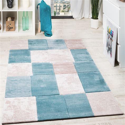 kurzflor teppich türkis wohnzimmer funkuhr modern