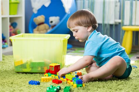 imagenes de niños jugando con sus juguetes juguetes para el d 237 a del ni 241 o algunos tips para elegir el