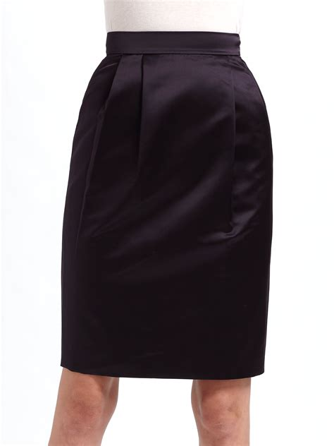 moschino cheap chic pleated satin pencil skirt in purple
