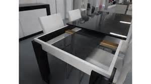 Table Noire Avec Rallonge #1: table-a-manger-noire-et-blanche-avec-rallonge-varsovie.jpg