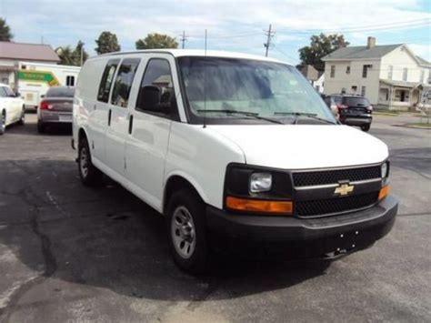 purchase used 2011 chevrolet express 1500 work van in 325 w 2nd st rushville indiana united