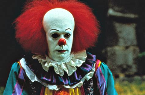 Clown L by Stephen King S It Finally Becoming A Horrifying Clown