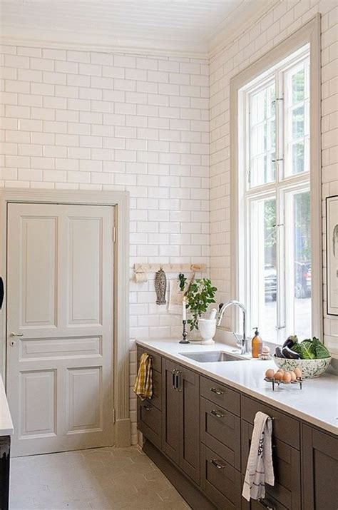 revetement mural adh駸if cuisine revetement mural cuisine design de maison