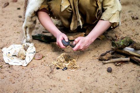 wann lebten die neandertaler wie haben die steinzeitmenschen feuer gemacht was ist was