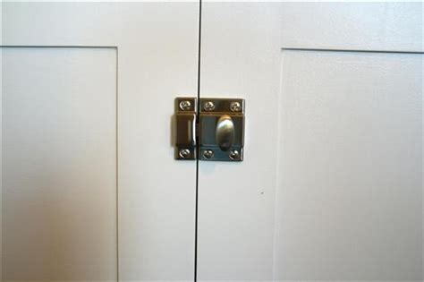 Kitchen Cabinet Closures by Choosing Knobs Pulls Latches For An Office Built In