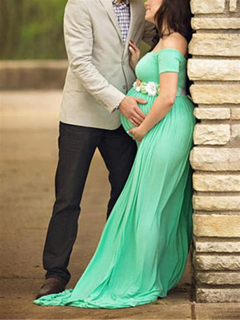 green draped backless  shoulder maternity photoshoot