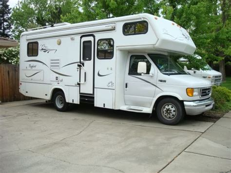25 foot bigfoot class c motor home on ford e 450 diesel