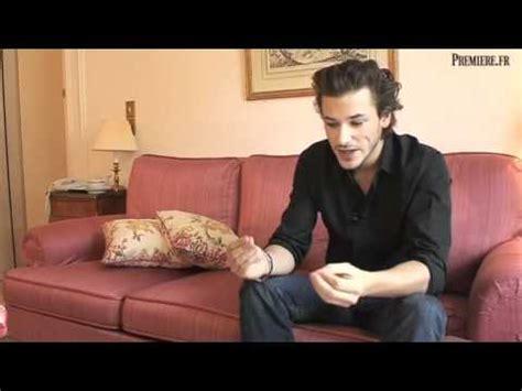 melanie thierry interview english bleu de chanel o ator gaspard ulliel entrevista o per